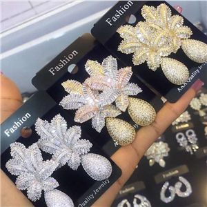 Luxury zirconia earrings
