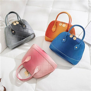 Mini hand/chain bag