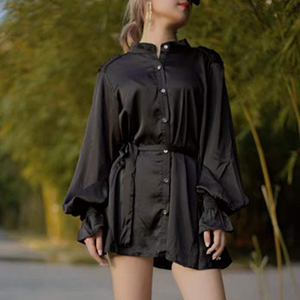Stylish bubble-sleeved top